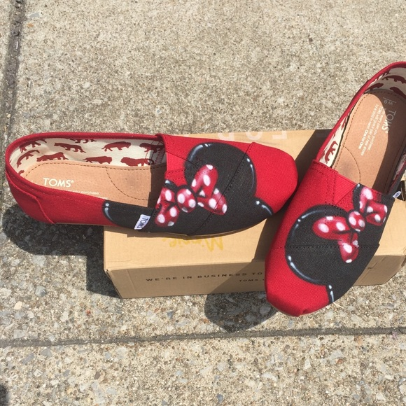 602a93e8e8c New Custom Airbrush Disney Minnie Mouse Toms
